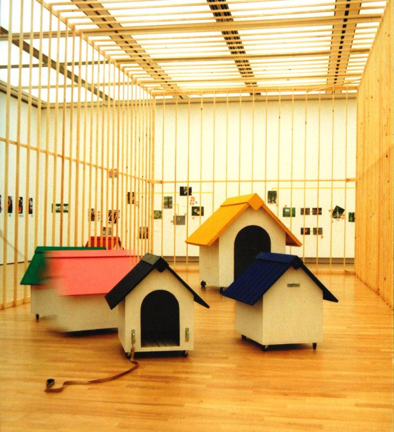 美術の中の家 第5回 犬小屋の散歩(美術館・公園デビュー編)